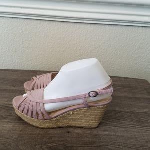 4/10- Elle Lavender Shoes size 7M